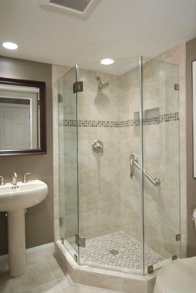круглый душ в ванной