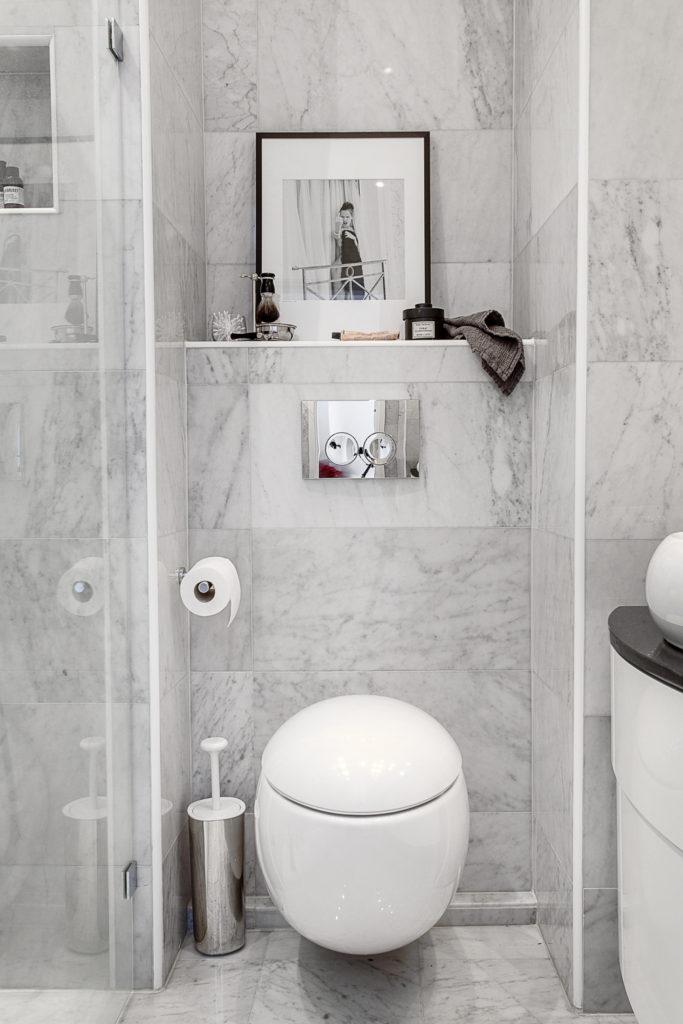 отделка плиткой в туалете