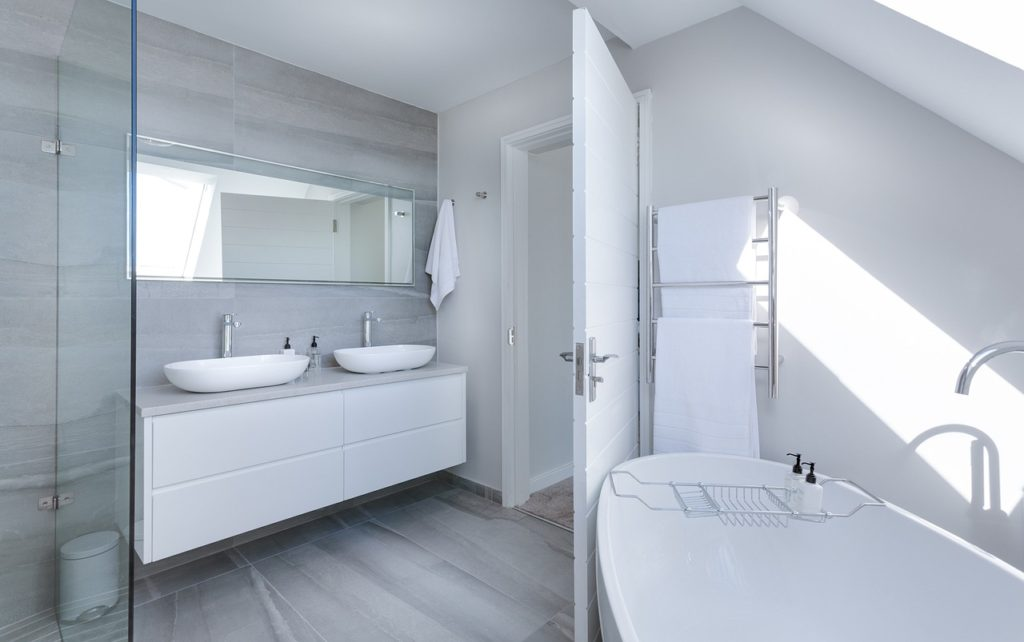 как просто обустроить ванную комнату