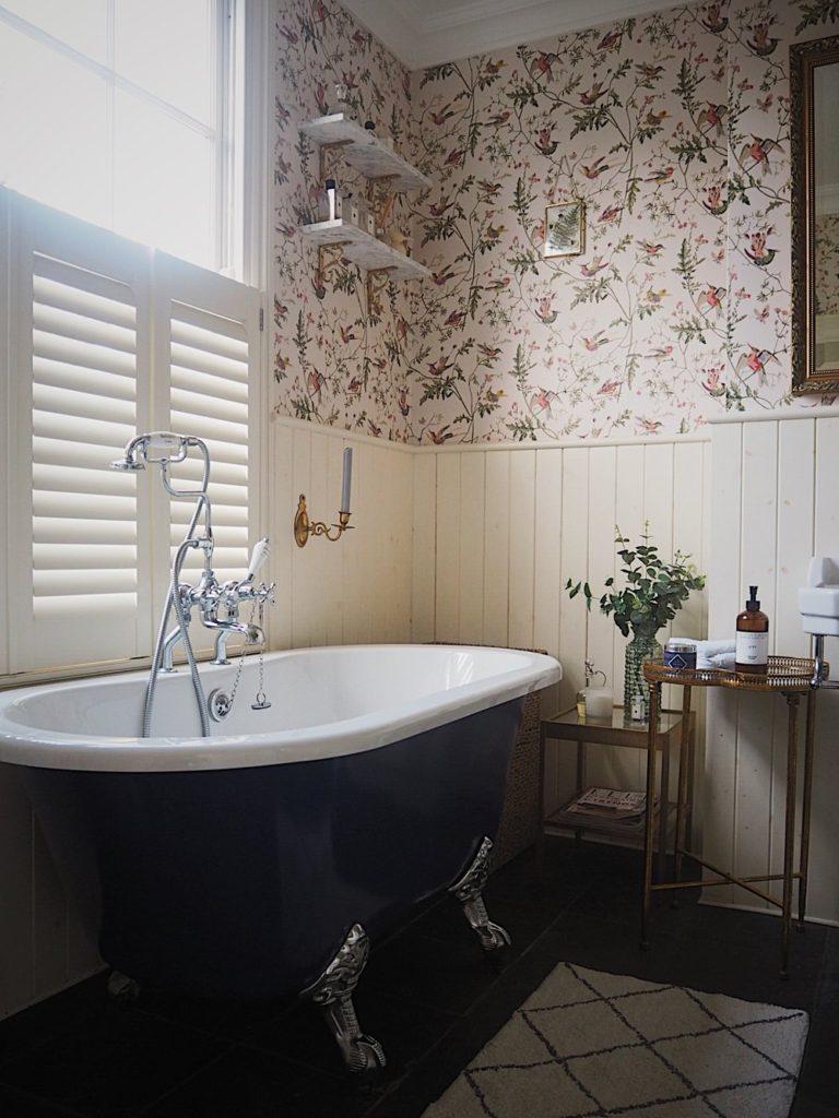 варианты ванной без плитки