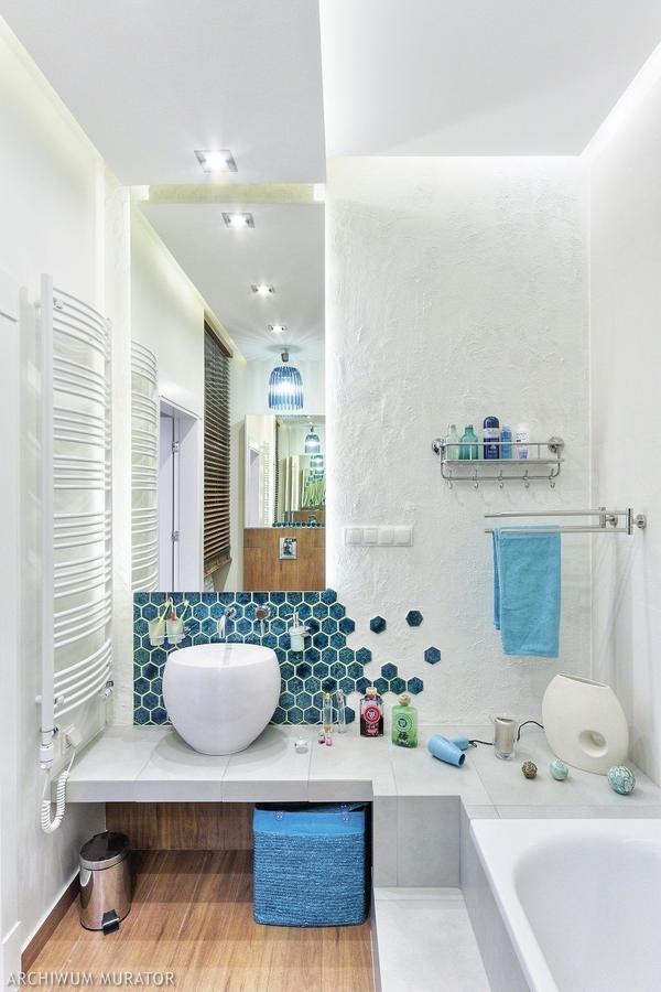 интерьер ванной комнаты голубой