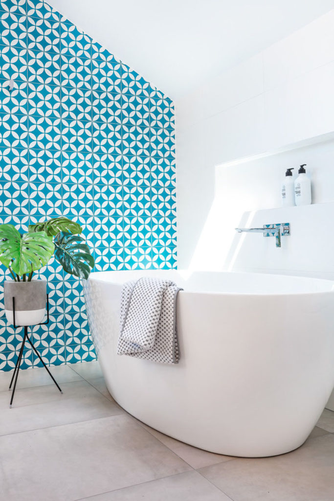 голубая раковина +для ванной72 ванная комната дизайн бело голубая70 ванная +в бело голубых тонах68 ванная комната голубая +с туалетом64 ванная +в серо голубых тонах63 ванная комната голубой пол62 коричнево голубая ванная62 ванная +в голубом стиле59 интерьер ванной +в голубом цвете59 светло голубая ванная комната59 дизайн ванной комнаты голубой плиткой58 голубая керамическая плитка +для ванной56 ванная комната +в голубых тонах дизайн фото55 желто голубая ванная55 розово голубая ванная52 ванная голубой мрамор51 ванная голубая лагуна50 нежно голубая ванная50 голубая мебель +для ванной комнаты50 ванная комната голубая мозаика47 бело голубая ванная комната фото46 ванная комната голубого цвета дизайн фото45 шторка +для ванной голубая45 ванная +в голубом цвете дизайн фото45 голубая ванная +в хрущевке44 черно голубая ванная44 маленькая ванная +в голубых тонах43 ванная комната +в бело голубых тонах43 ванная +в бело голубом цвете43 дизайн ванной +в голубой плитке42 плитка +для ванной +в голубых тонах39 дизайн ванной голубой +с белым39 почему +в ванной вода голубая39 мебель +для ванной голубого цвета38 зелено голубая ванная комната37 серо голубая плитка +для ванной36 кафельная плитка +для ванной голубая35 плитка мозаика голубая +в ванной34 голубой натяжной потолок +в ванной34 голубая ванная комната +в хрущевке32 ванная голубая +с бежевым32 интерьер ванной +в голубых тонах32 голубая ванная +с дельфинами30 панели пвх +для ванной голубые29 плитка голубая лагуна +для ванной29 голубая плитка +для ванной комнаты фото29 голубой кафель +в ванной комнате29 ванная комната +в серо голубых тонах29 сочетание голубого +в интерьере ванной29 маленькая ванная комната +в голубых тонах