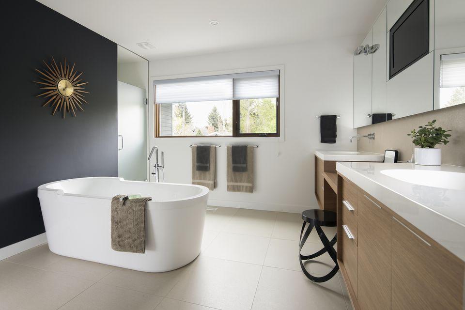 современная маленькая ванная комната