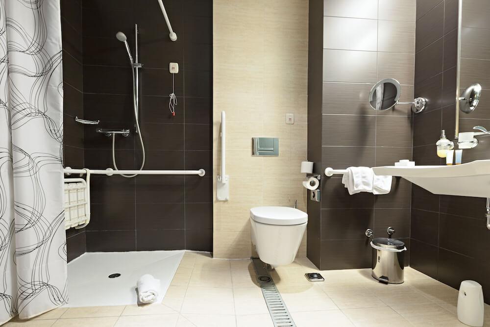 ванная для инвалидов