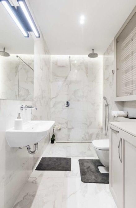 какую плитку выбрать в ванную на стены