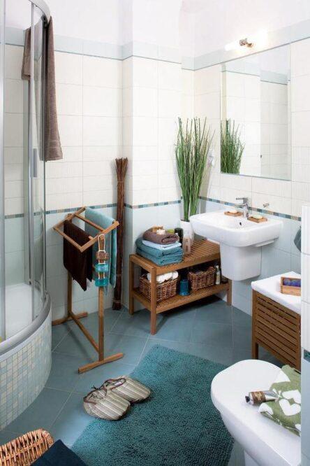 бело синяя ванная