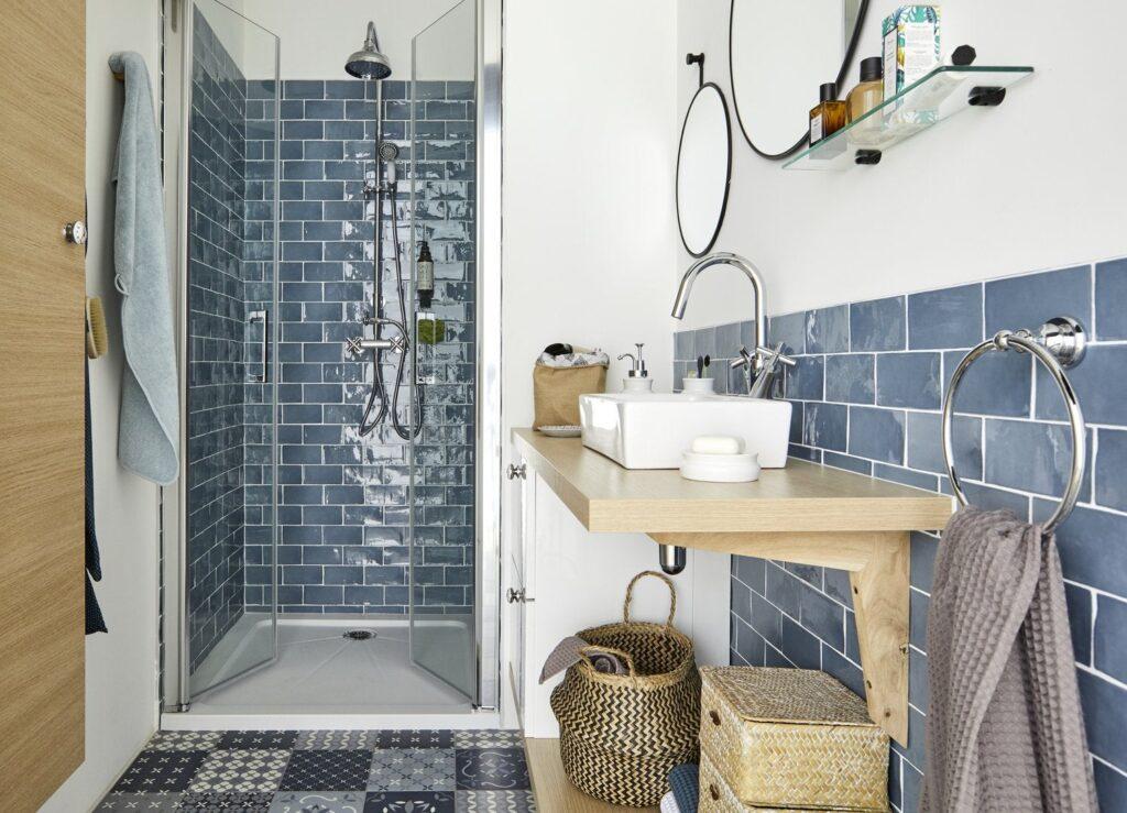 темно синяя ванная