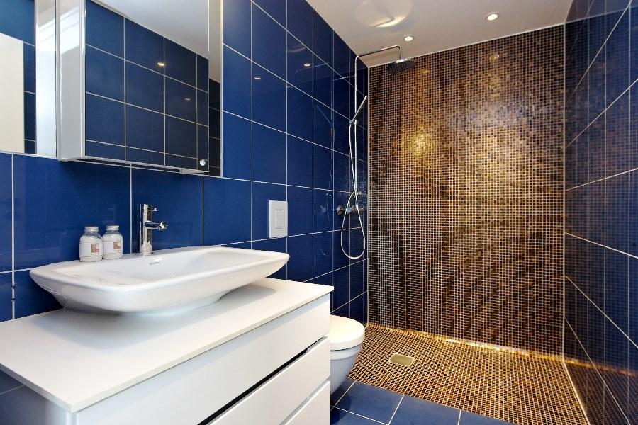 ванная комната синий пол
