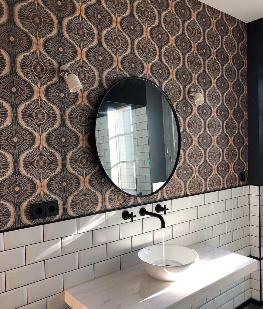 дизайн бело коричневой ванной