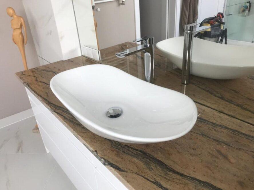 каменная столешница в ванной комнате