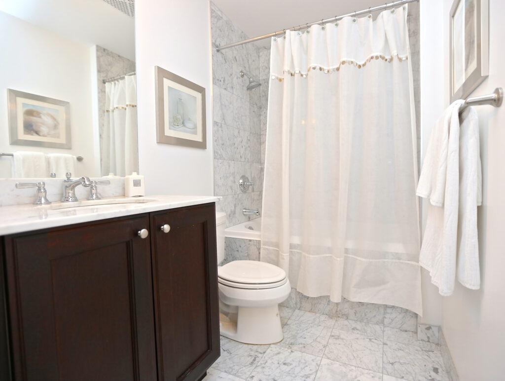 занавеска в ванную комнату
